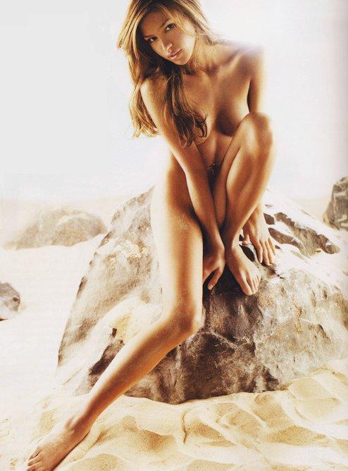 Cassie Nude