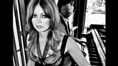 Chromatics - Blue Moon