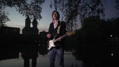 Bertolf - Mr Light