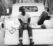 Leon Bridges Photo