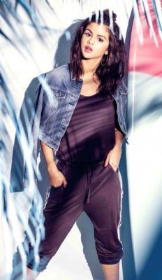 Selena Gomez Photo